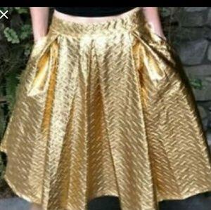LuLaRoe Skirts - NWT LulaRoe Elegant Gold Metallic Madison Skirt